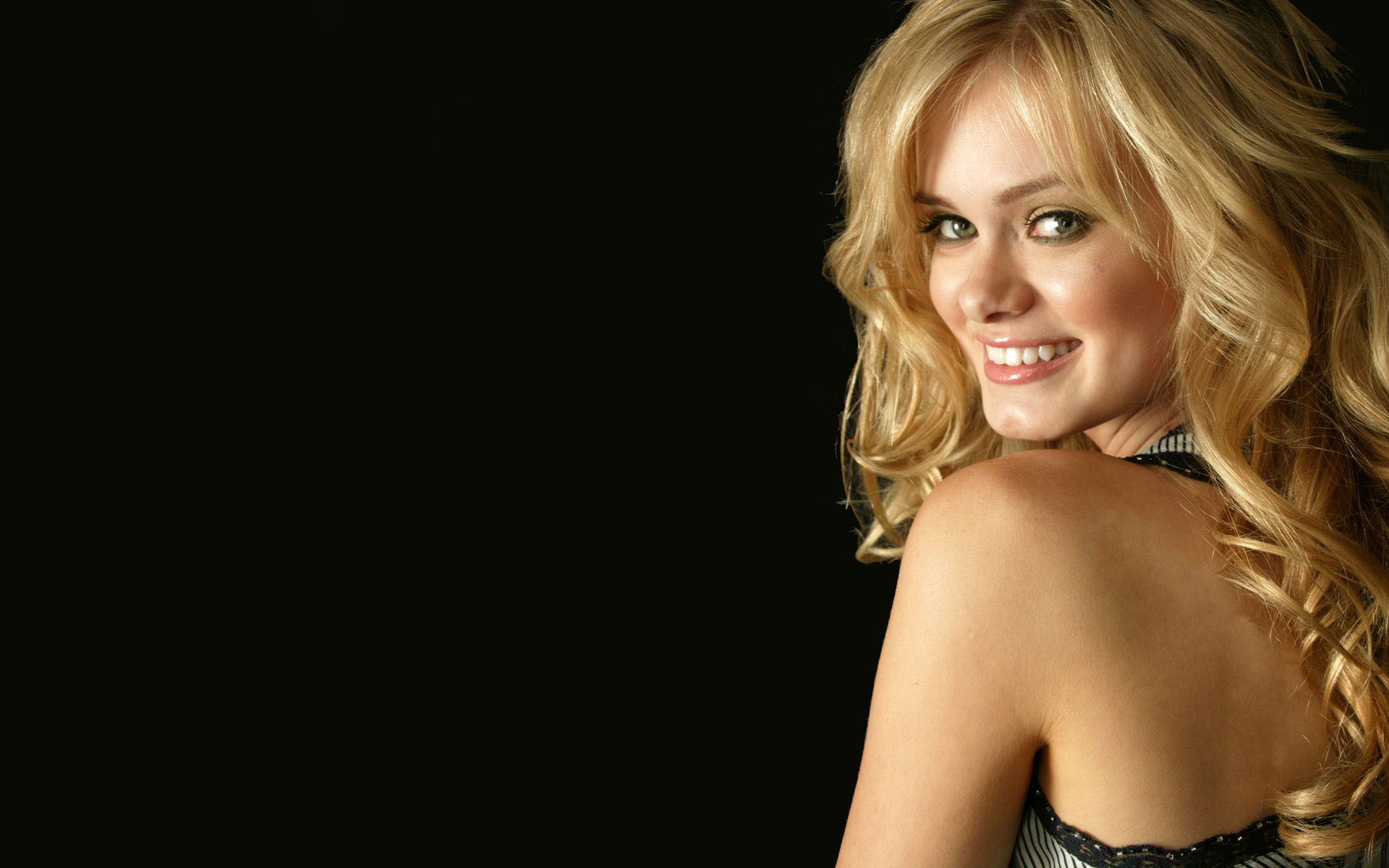 beautiful sara paxton 41321