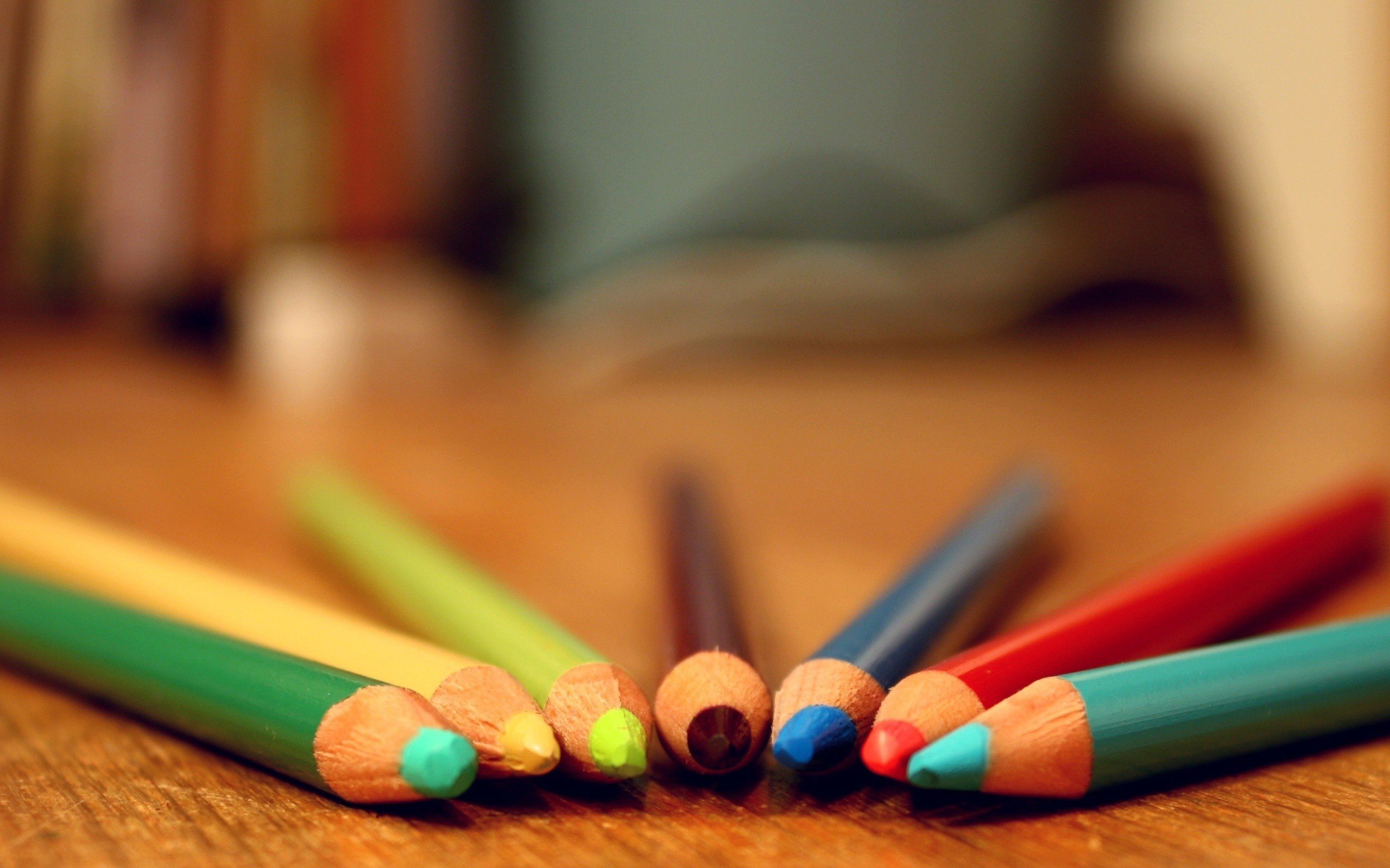 colored pencils background 40929