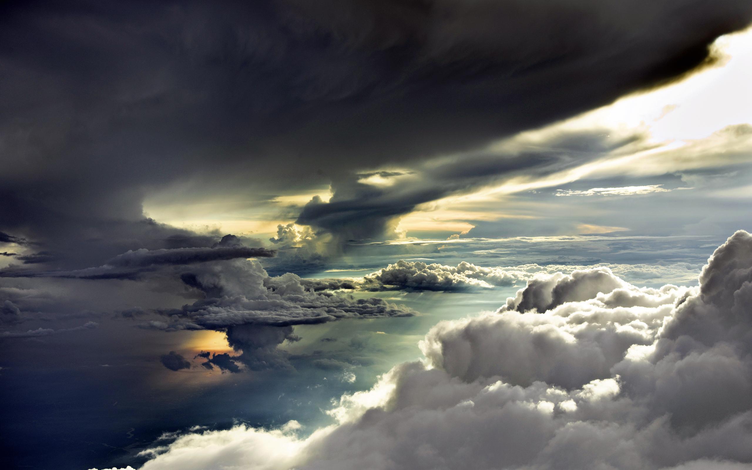 dark clouds background 33636