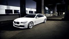 Beautiful White BMW 7 Series Wallpaper 43420