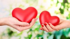 Heart Hands Background 40992