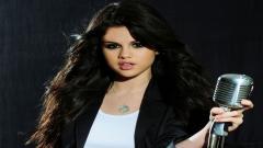 Selena Gomez 7200