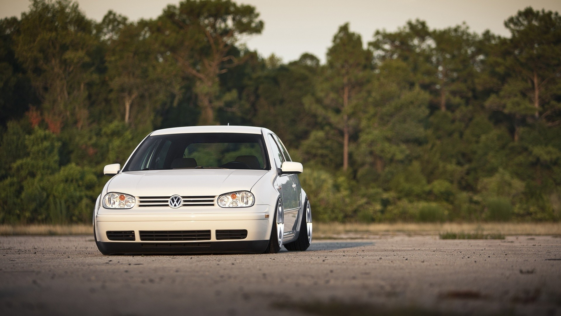 White Volkswagen Golf Wallpaper 43729