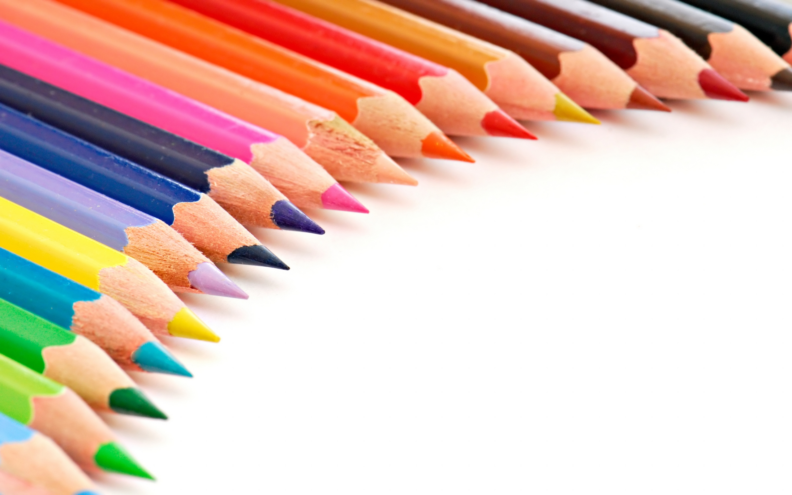 colored pencils background 40940