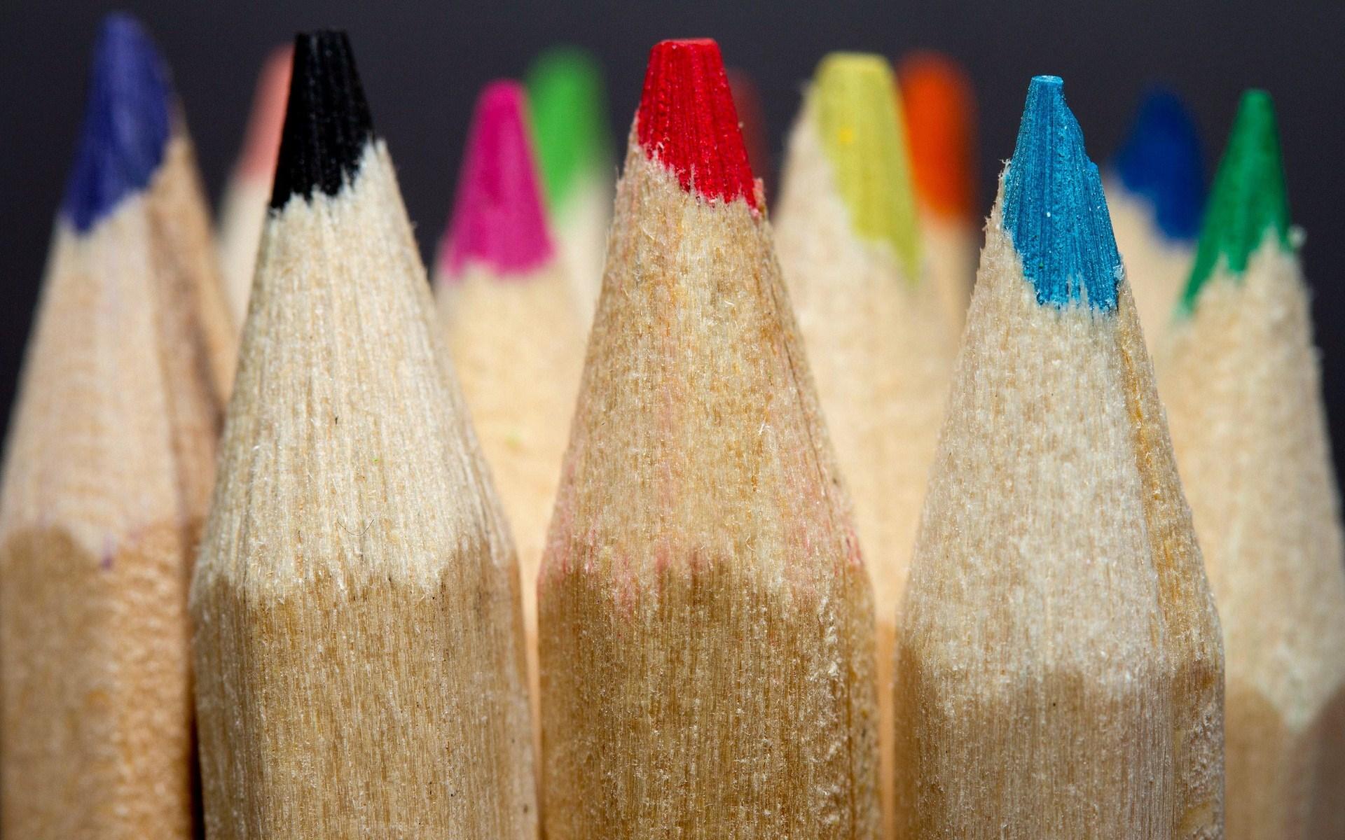 focused colored pencils wallpaper 40944
