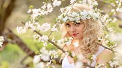 Beautiful Girl Flowers Wallpaper 44556