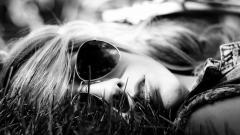 Girl Glasses Wallpaper 42786