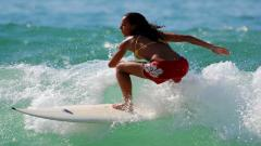 Surfer Girl Wallpaper 28105