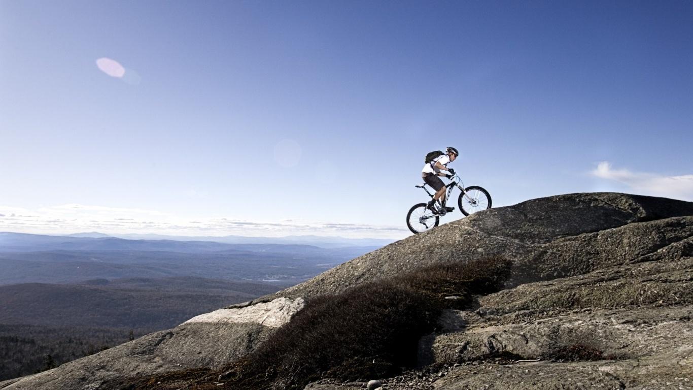 mountain biking 7334