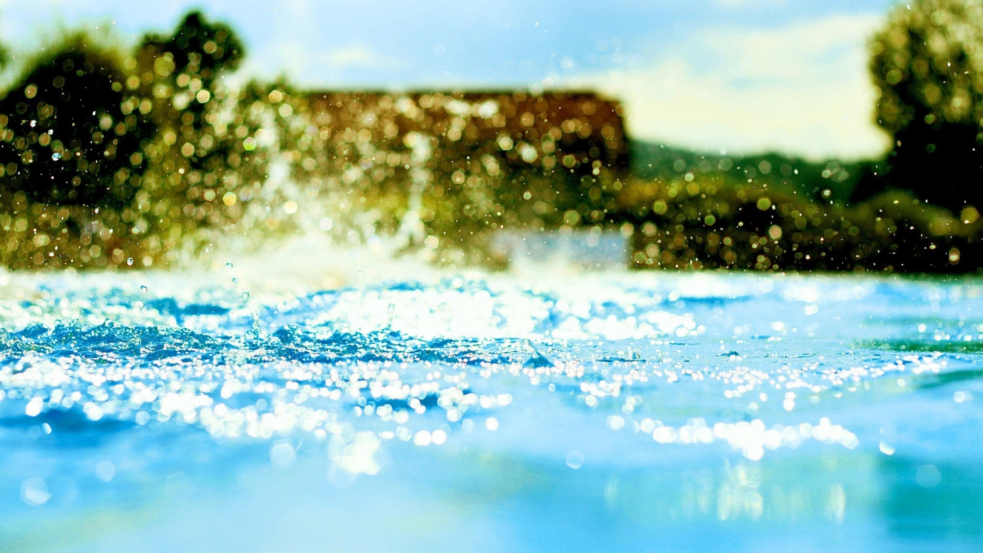 Download free water splash wallpapers for your mobile phone by