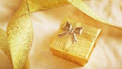 Gold Gift Box Wallpaper 40014