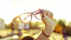 Pretty Glasses Wallpaper 44375