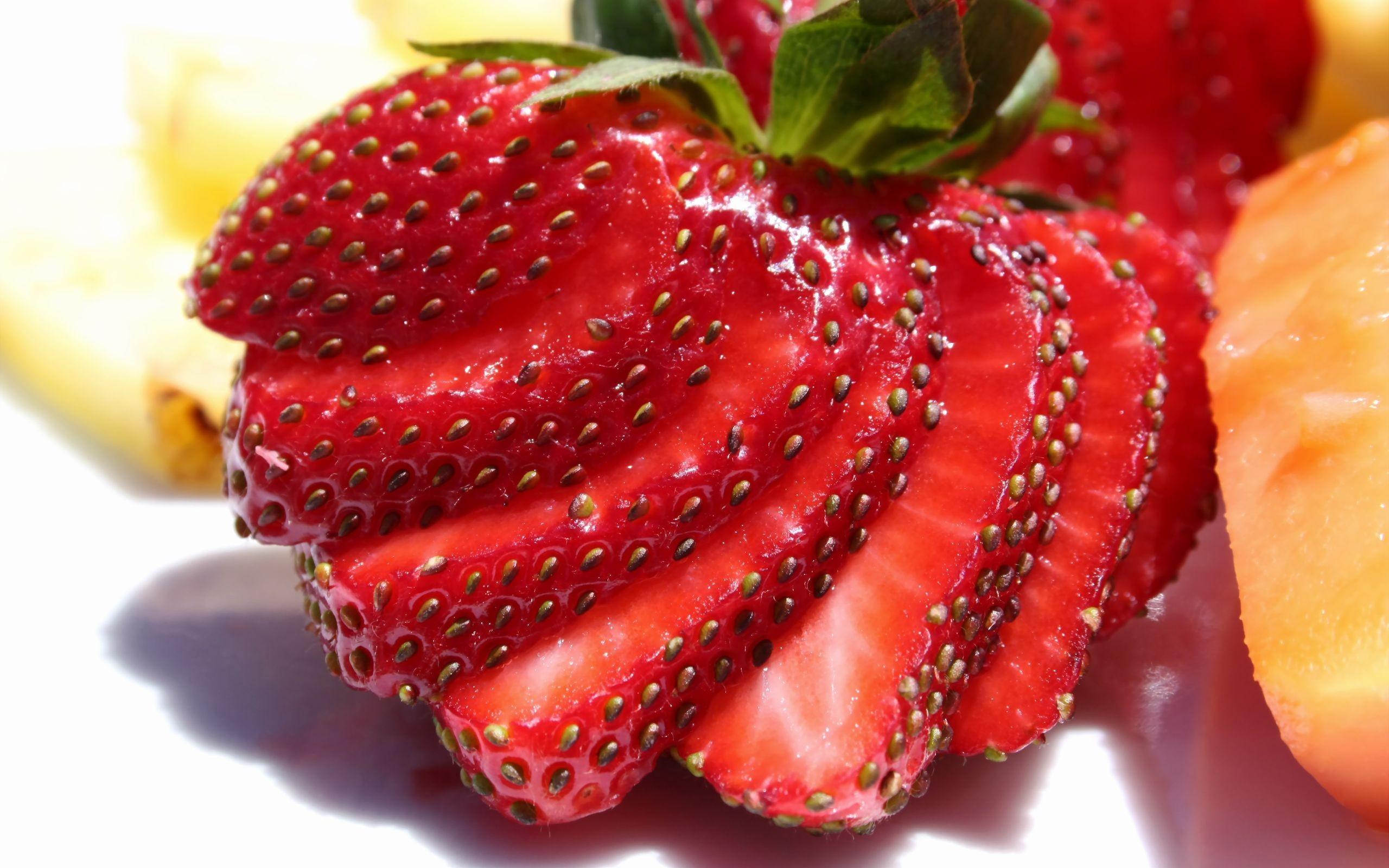 cute strawberries wallpaper 38838