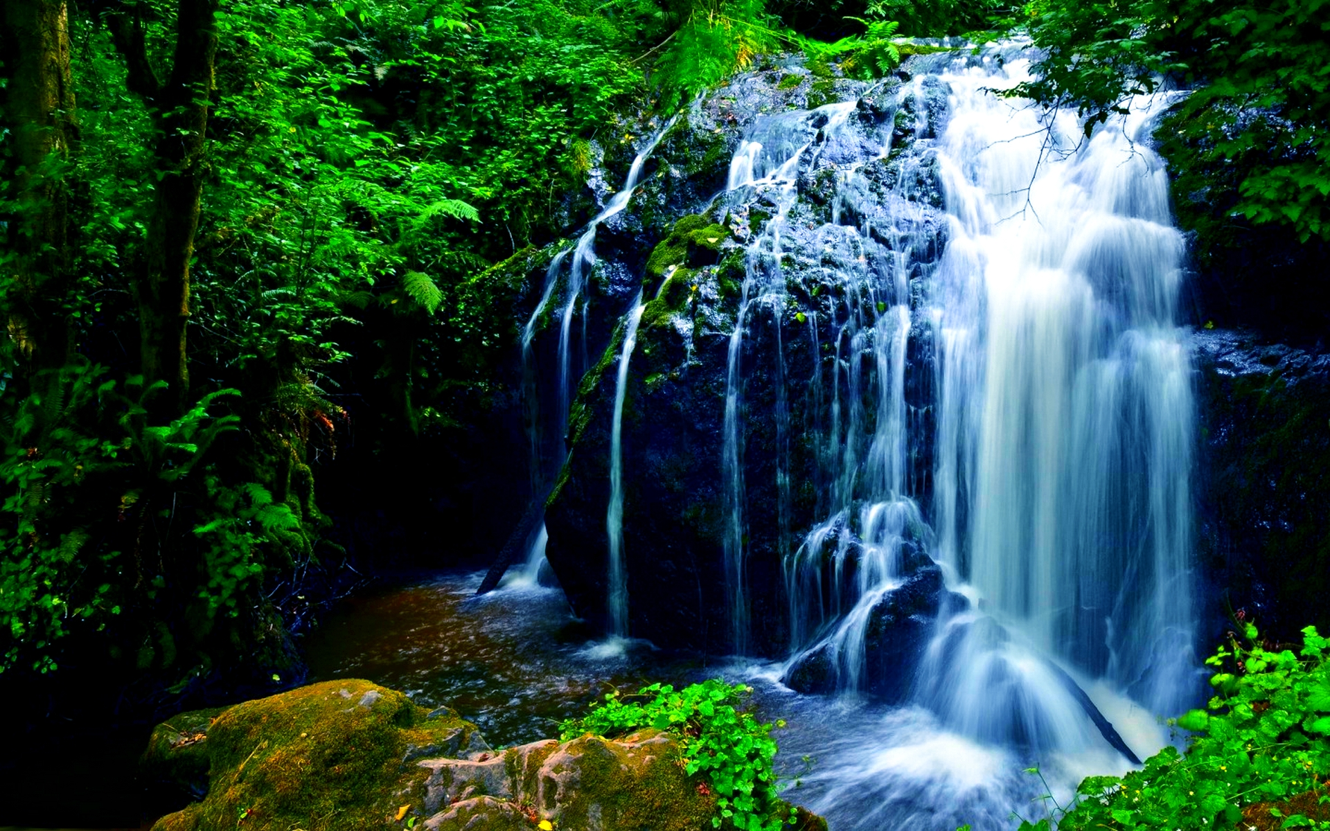 lovely falls wallpaper 38857