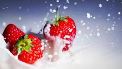 Cool Strawberries Wallpaper 38824