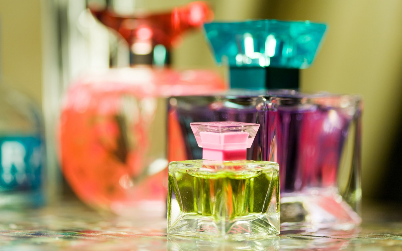 free perfume wallpaper 43710