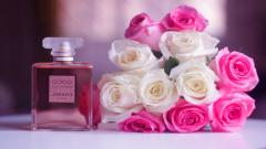 Pretty Perfume Wallpaper 43712