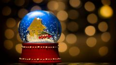 Snow Globe Wallpaper 43584