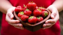 Strawberries Mood Wallpaper 43597