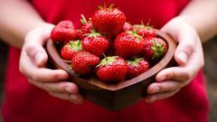 Strawberries Mood Wallpaper 43597