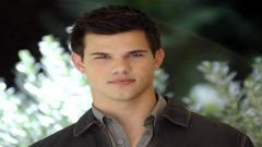 Taylor Lautner 41478