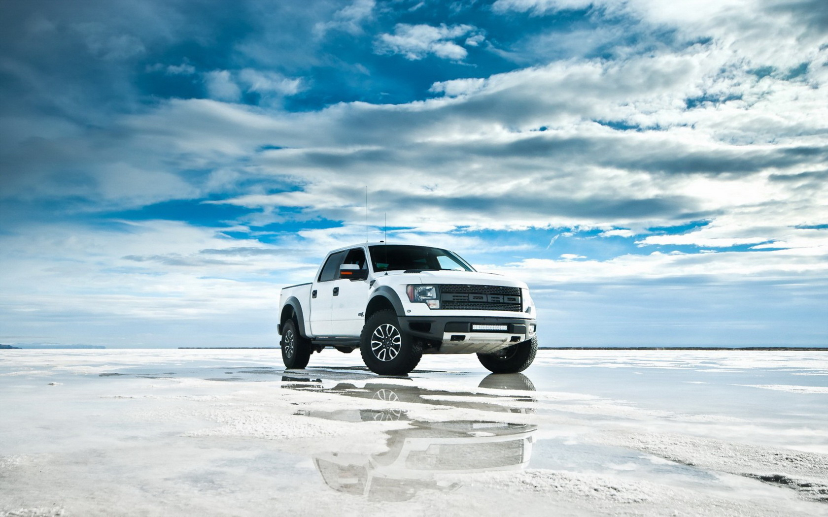 awesome suv wallpaper 43303