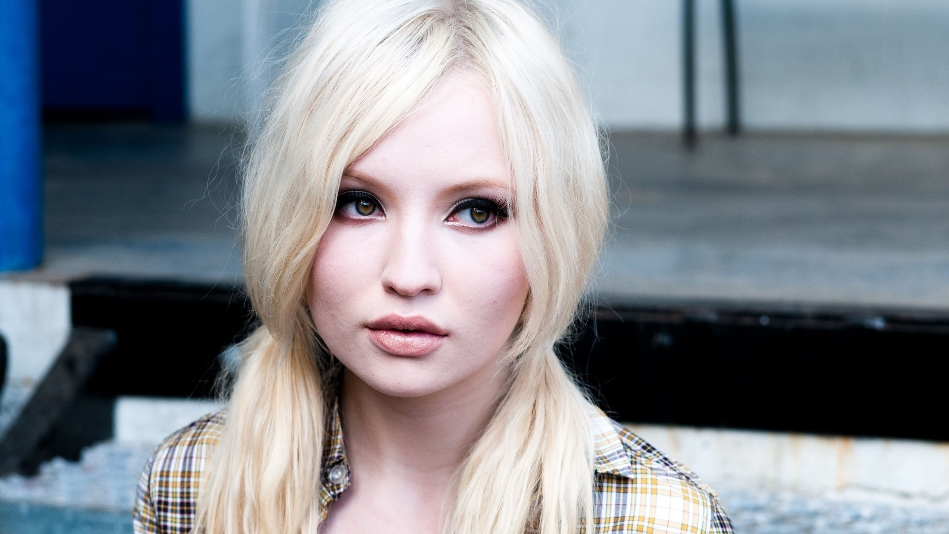 emily browning 11560