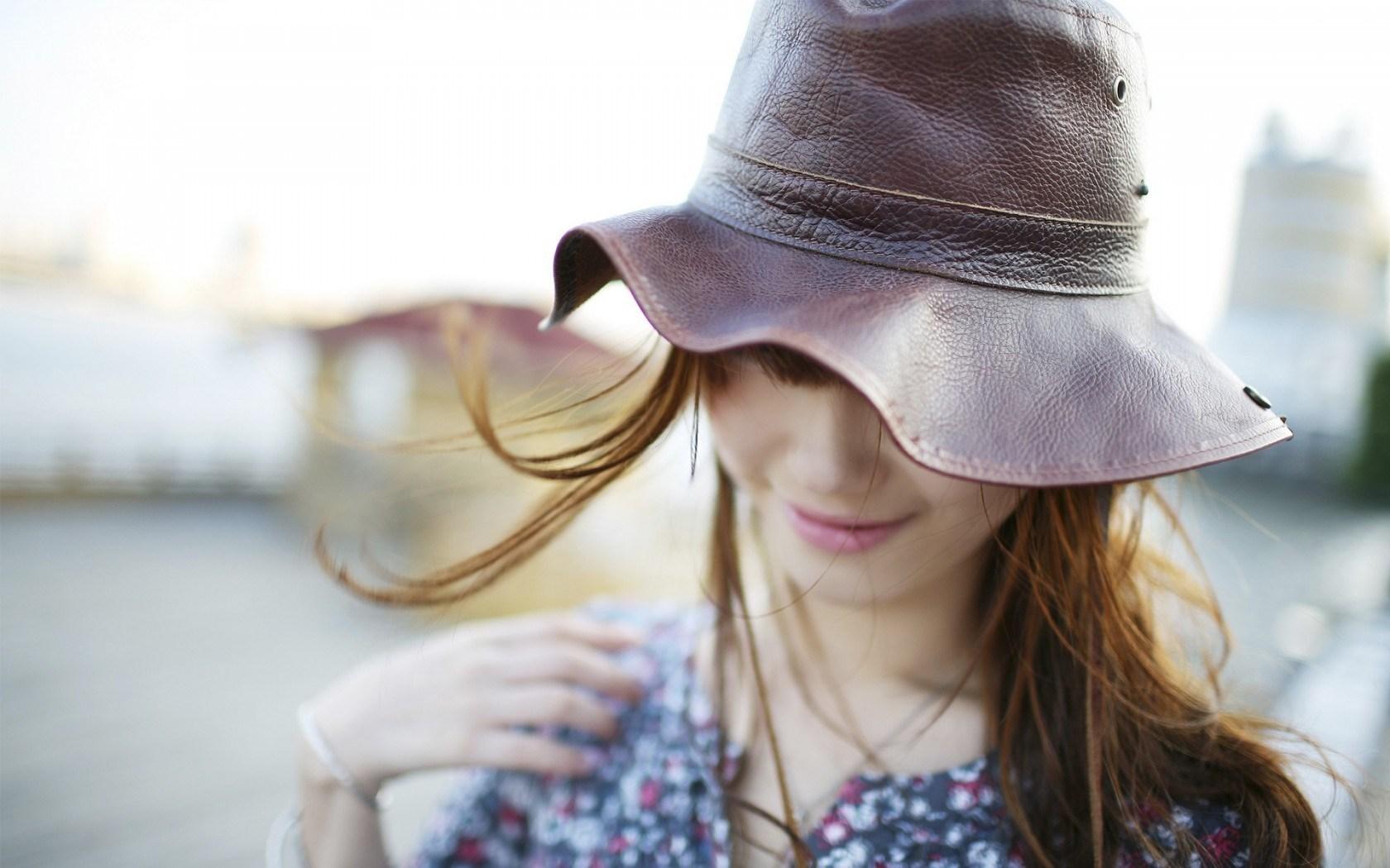 girl hat wallpaper 43333