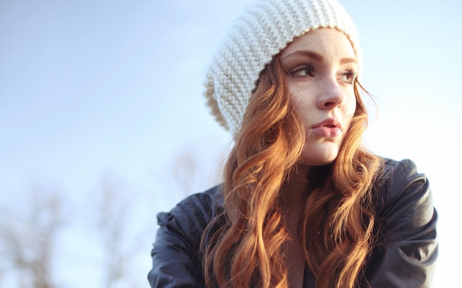 pretty girl hat wallpaper 43330