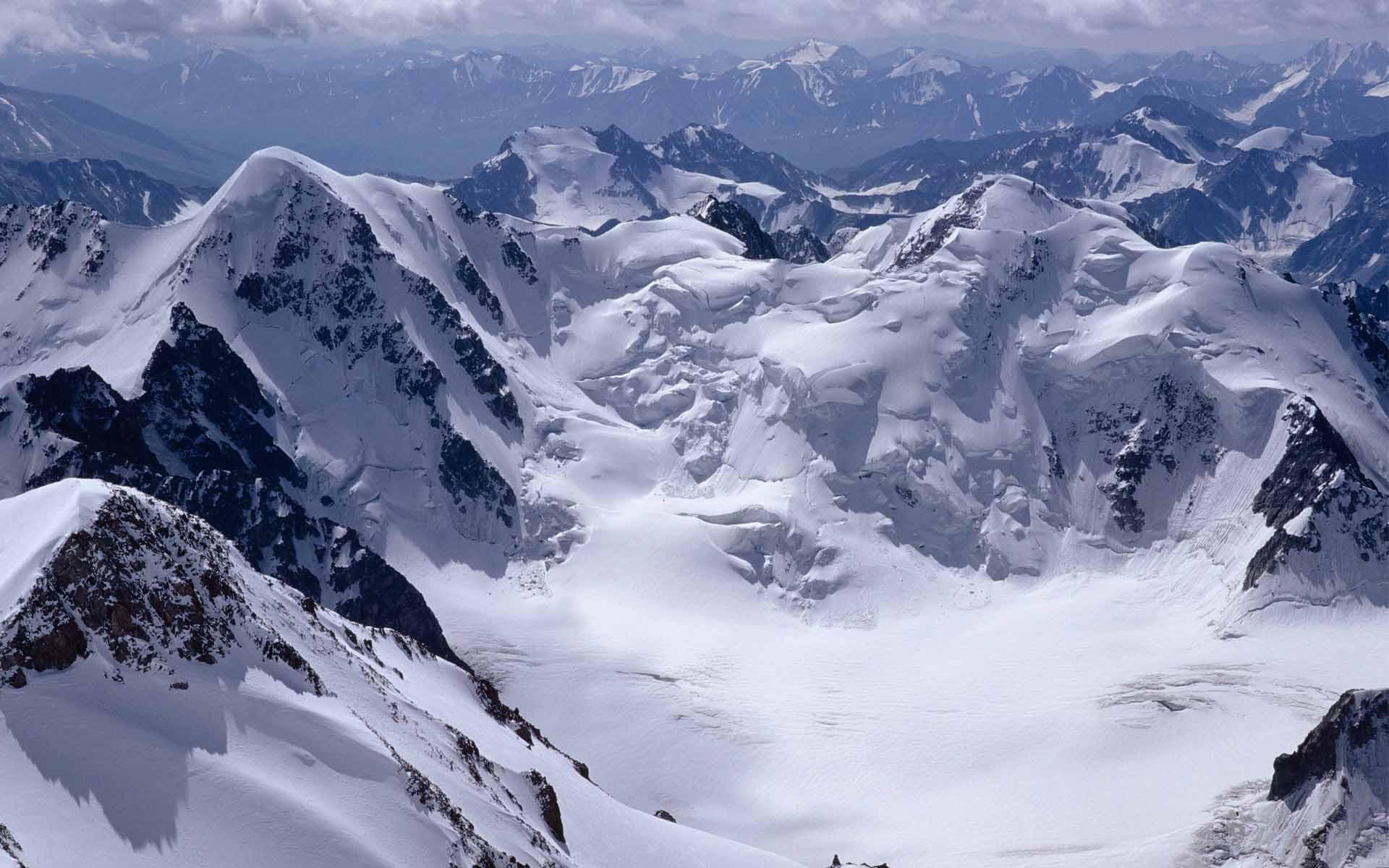 snow mountain 16540