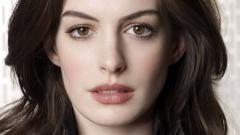 Anne Hathaway Wallpaper 16515