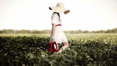 Lovely Girl Hat Wallpaper 43326