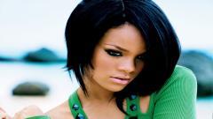 Rihanna 9738