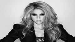 Shakira 9728
