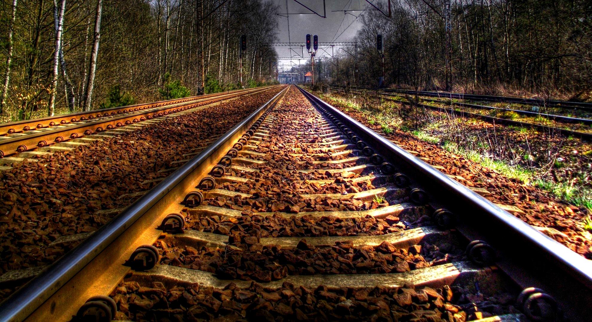train track wallpaper 37977