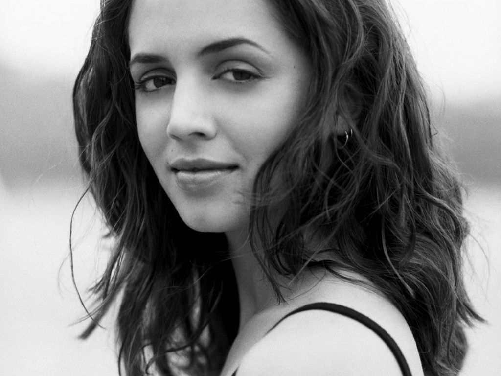 beautiful eliza dushku 24642