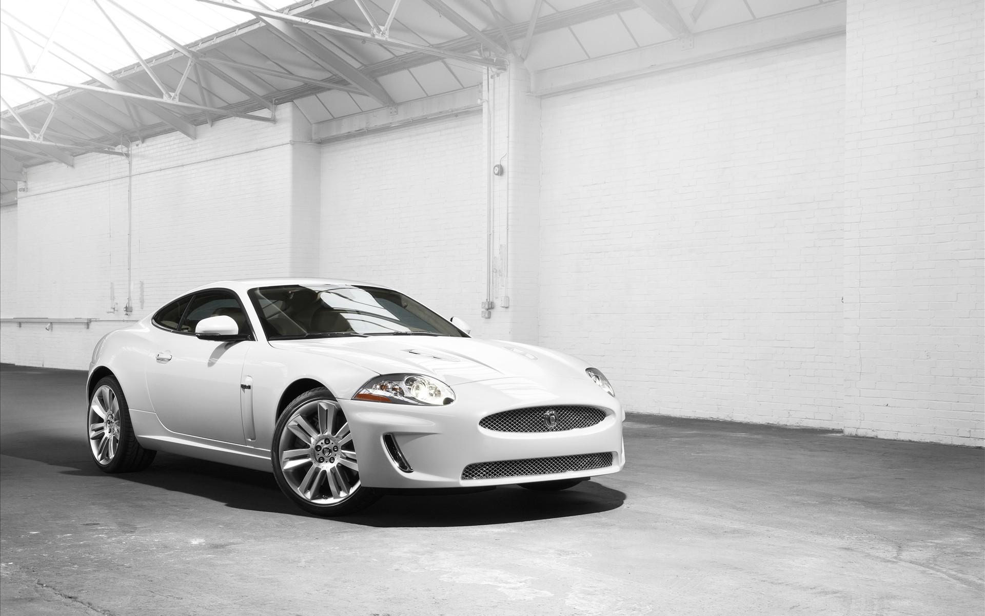 cool white car wallpaper 32700