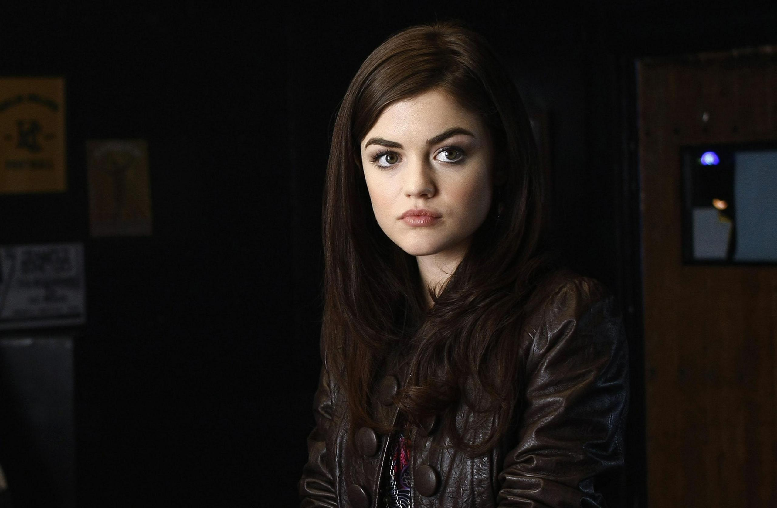 lucy hale 8945