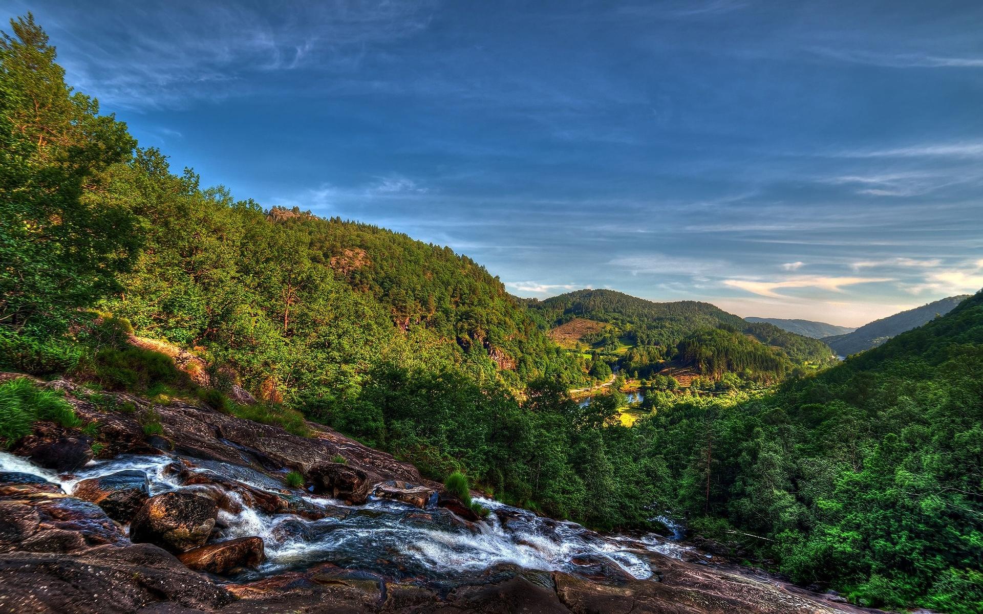 mountain stream 33680
