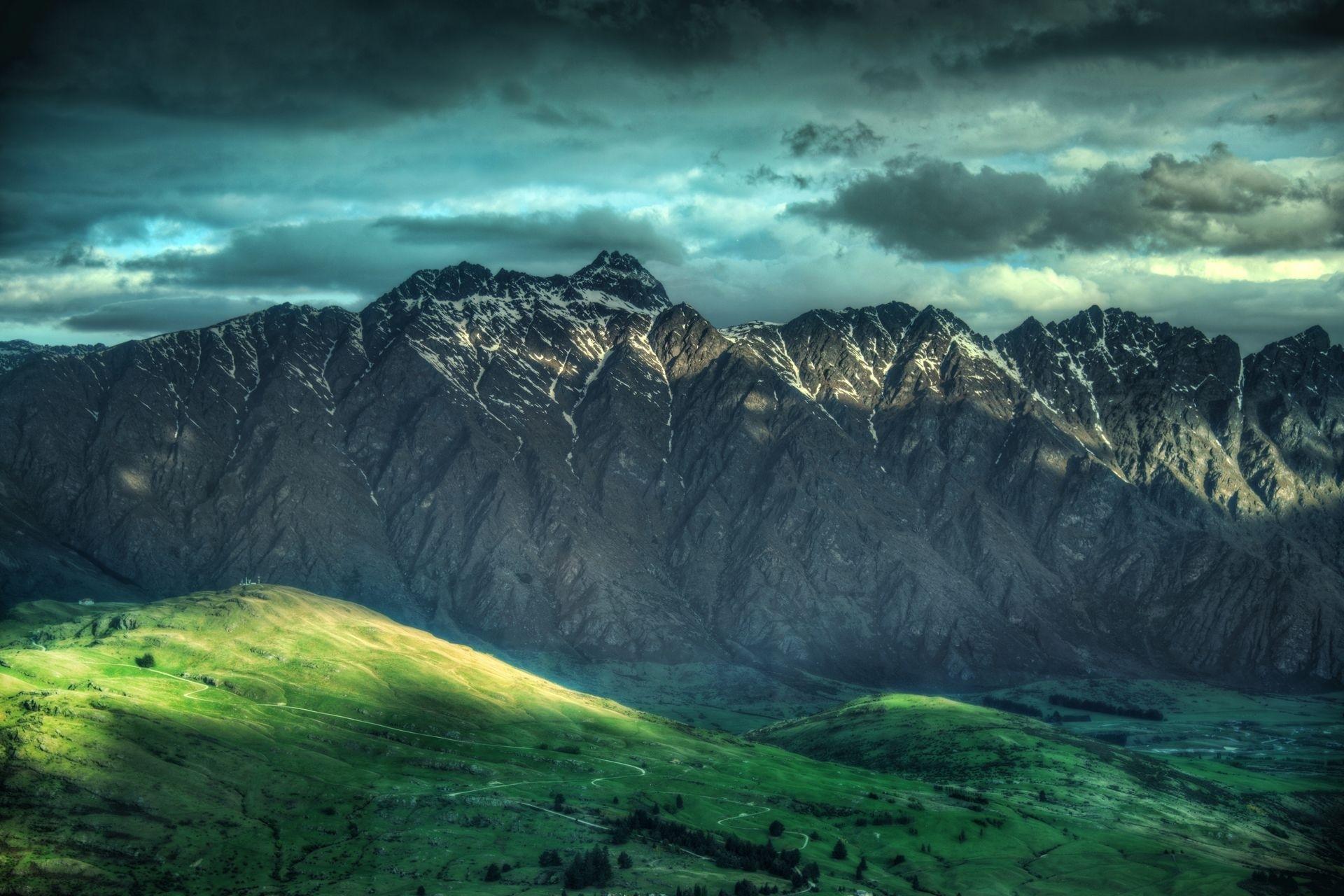mountainscape 33218