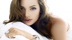 Angelina Jolie 16578