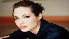 Angelina Jolie Wallpaper 16572