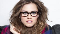 Beautiful Girls With Glasses Wallpaper 33604