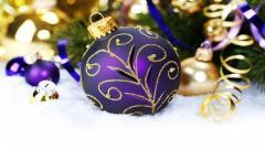 Beautiful Purple Christmas Ball Wallpaper 44077