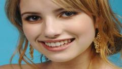 Emma Roberts 24658