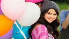 Selena Gomez Wallpaper 18514