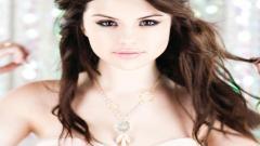Selena Gomez Wallpaper 18519