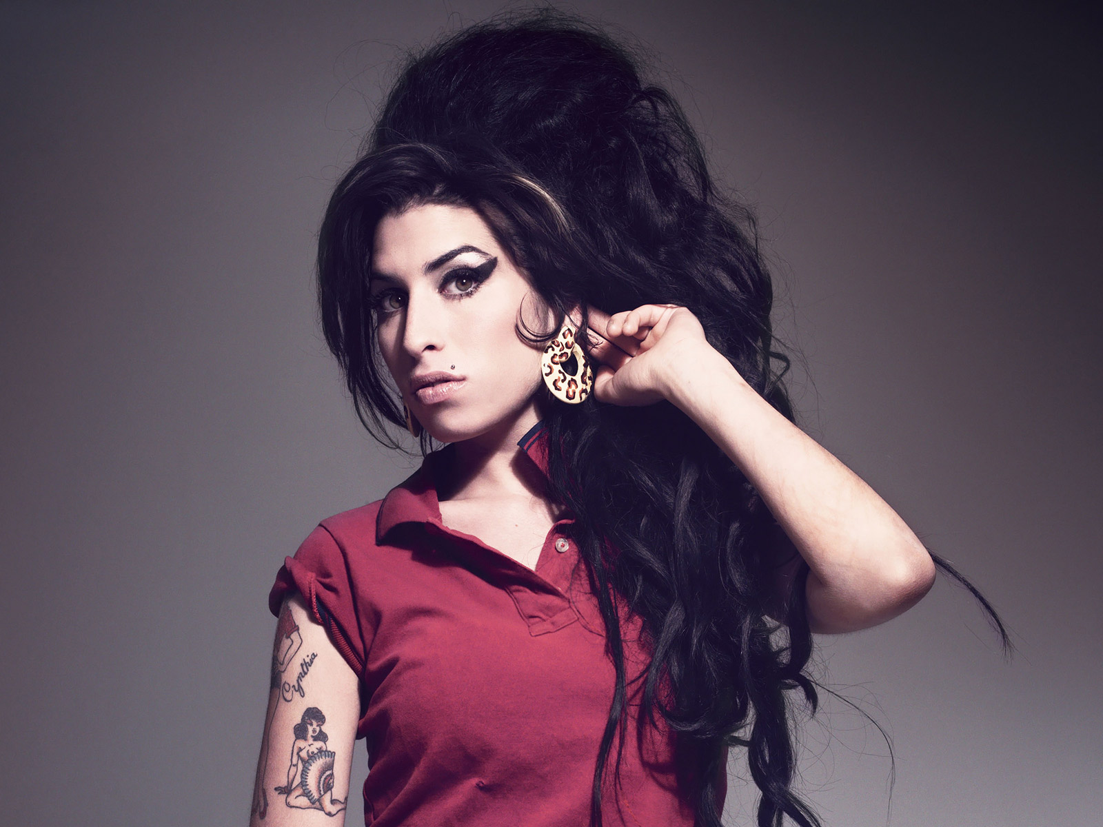 amy winehouse 32915 1600x1200px