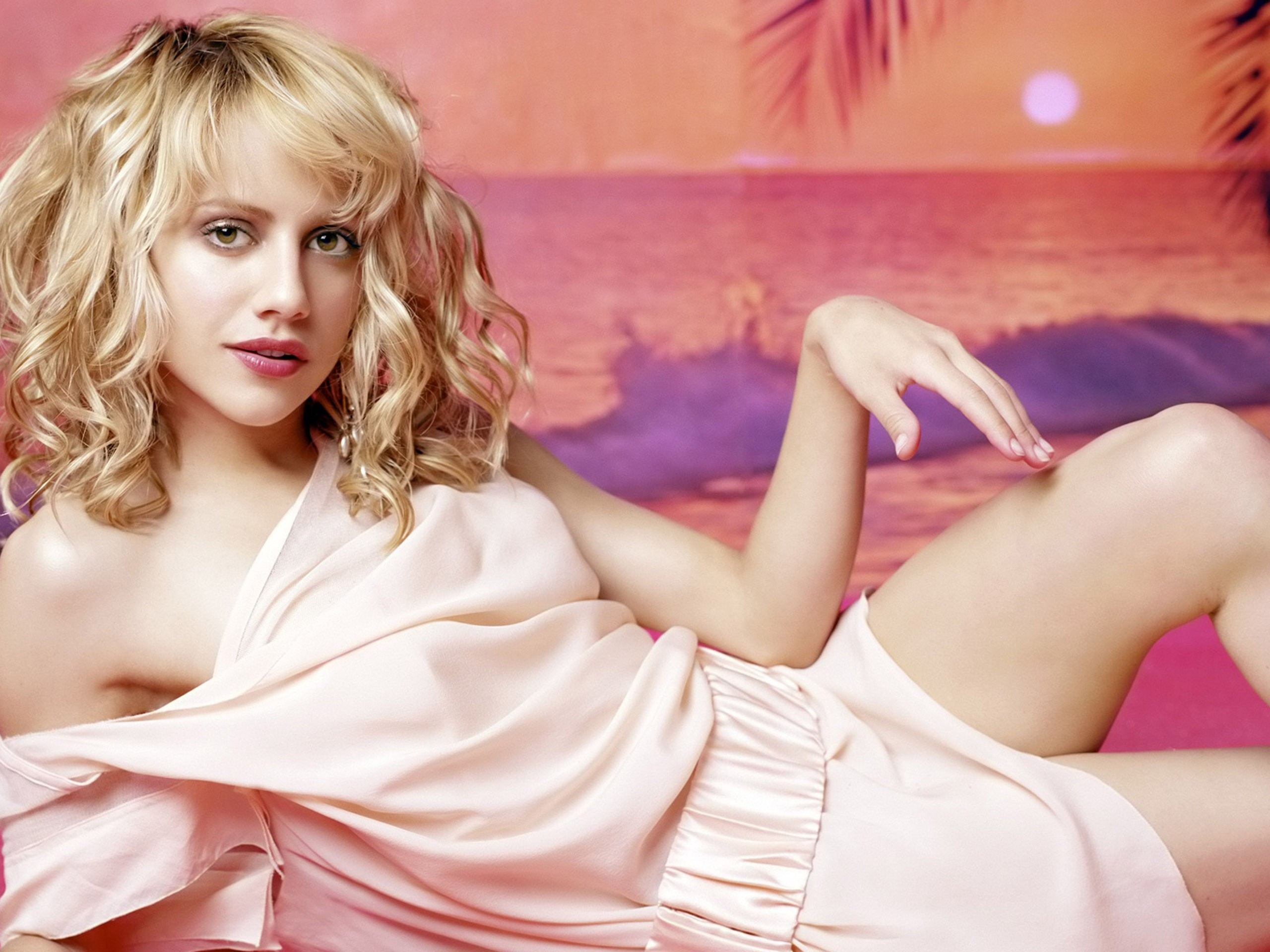 brittany murphy wallpaper 19055