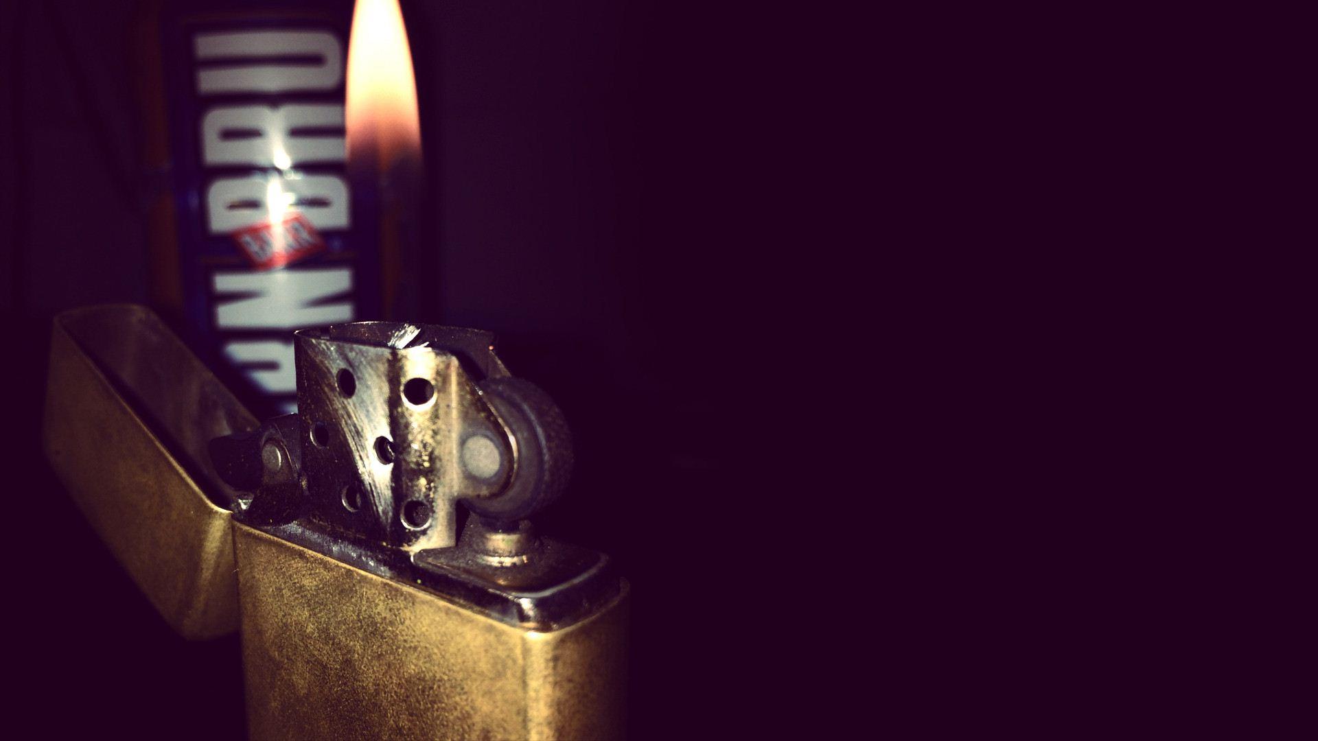 Нож с зажигалкой  № 612853 бесплатно